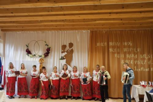 Zespół Oleśniczanki przy akompaniamencie Pana Władysława Nalepy i Jakuba Poniewierskiego