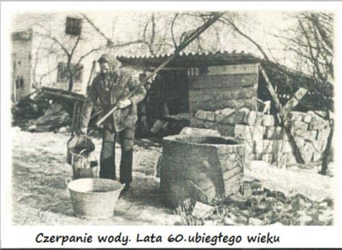 Czerpanie wody rok 1960