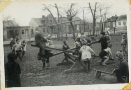 Przedszkole 1968 r. - plac zabaw..