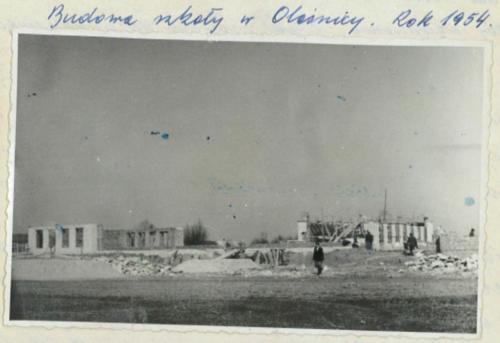 Budowa szkoły. 1954 r..