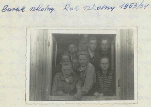 nauka w barakach rok 1953
