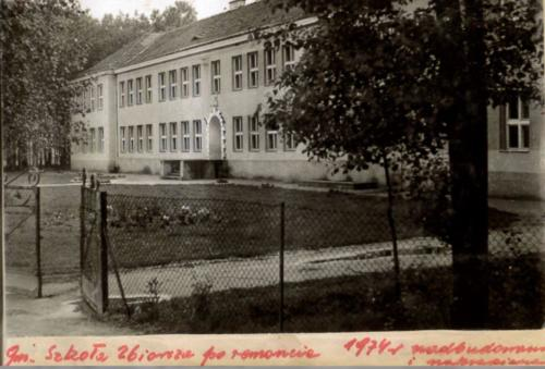 Szkoła po remoncie 1974 r..